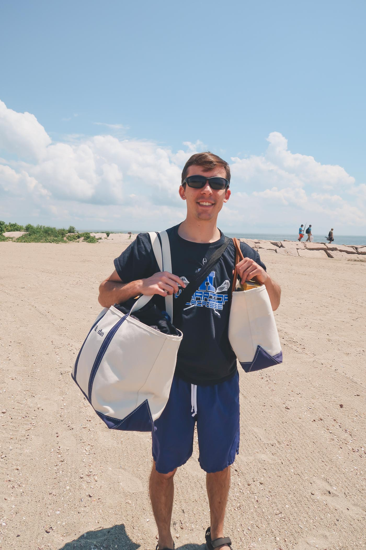 When bae holds all the beach bags for you