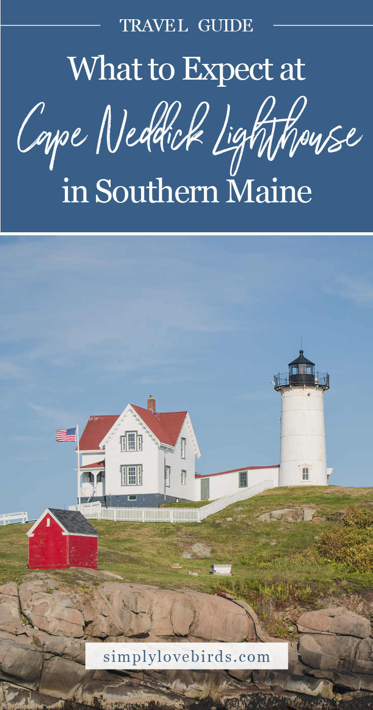 What to Expect at Cape Neddick (Nubble Point) Lighthouse in Southern Maine / Simply Lovebirds