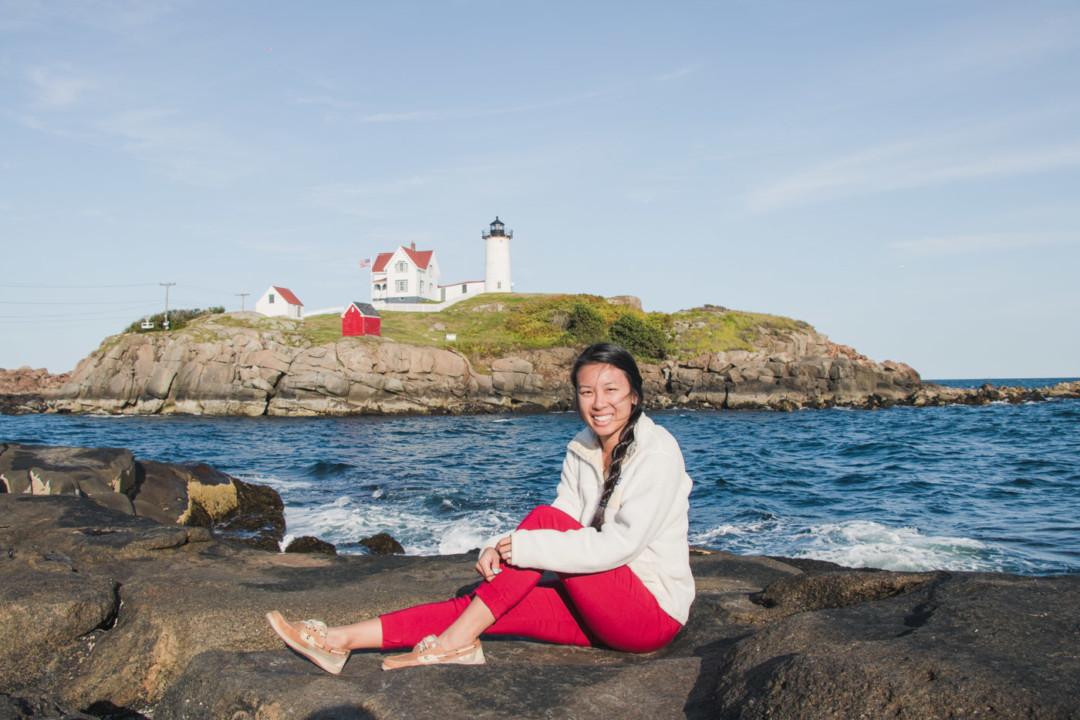 New England Style / Cape Neddick (Nubble) Lighthouse / Simply Lovebirds