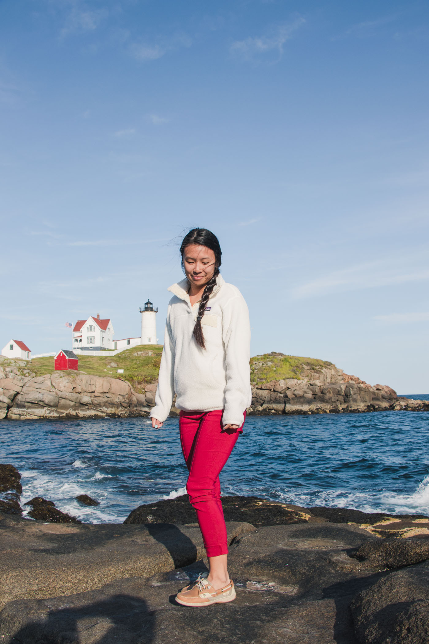 New England Style / Cape Neddick (Nubble) Lighthouse / Simply Lovebirds