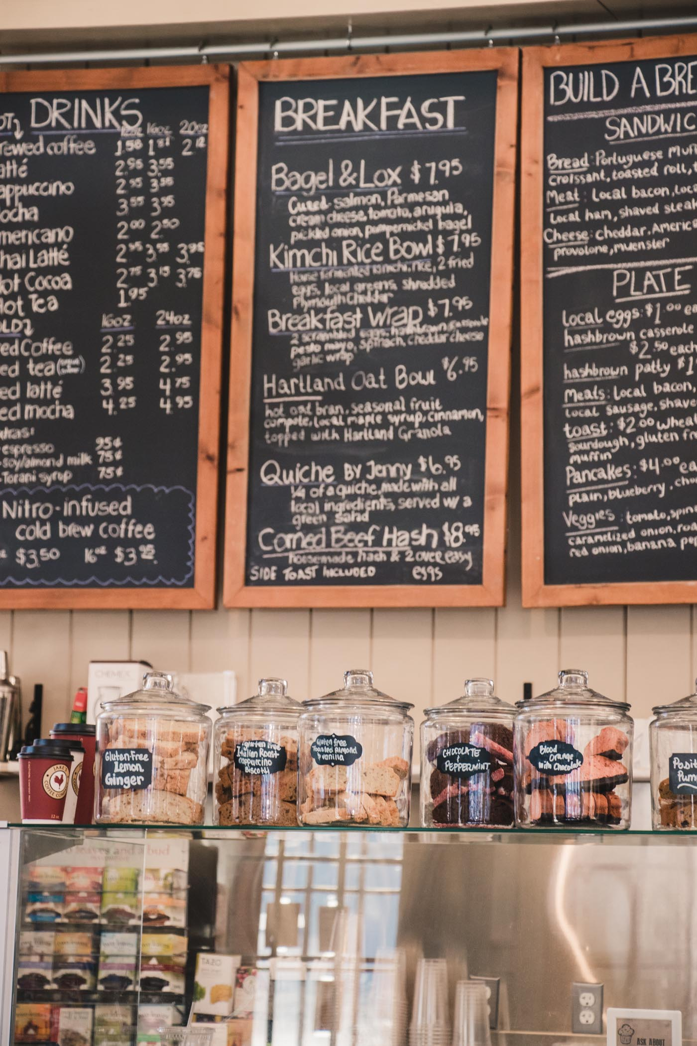 Menu in Jake's Quechee Market Cafe, Vermont - Simply Lovebirds - New England Lifestyle Blog