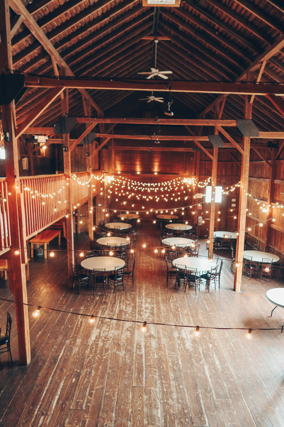 Touring A Rustic Barn Wedding Venue Simply Lovebirds